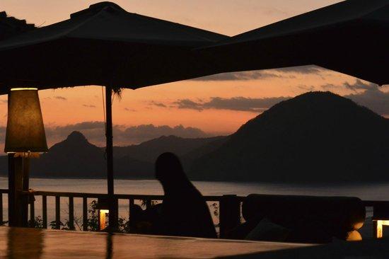 Sempiak Villas: Sunset silhoutte