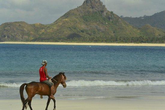 Sempiak Villas: Riding