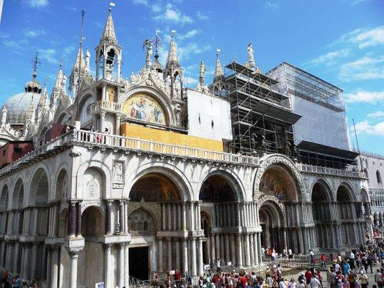 Best Windows: Собор San Marco - вид и з окна номера
