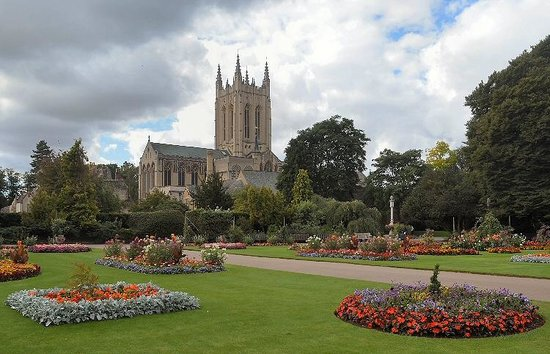 Anglia orientale, UK: The Cathedrtal from the Abbey gardens