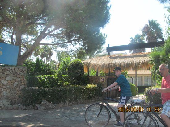 Protur Safari Park Aparthotel : free bike hire