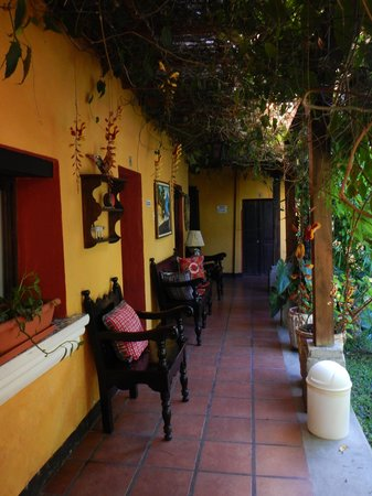 Hotel Casa Antigua: next to one garden area