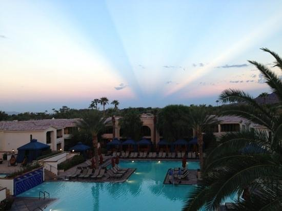 Omni Scottsdale Resort & Spa at Montelucia: Morning Yoga