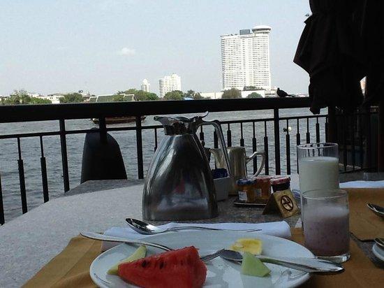 La Residence Bangkok: 早晨的餐廳