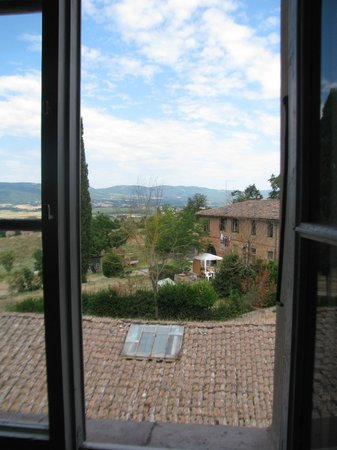 Fattoria di Cavaglioni : View out of the bedroom window