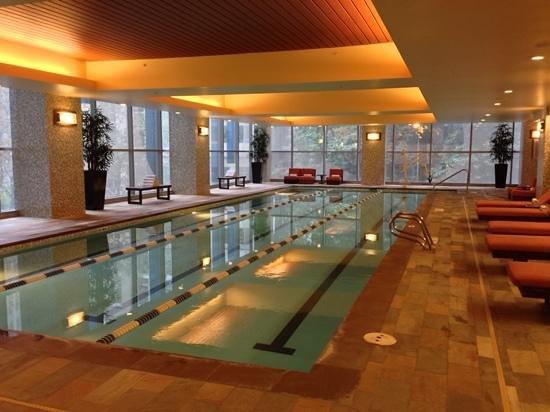 Hyatt At Olive 8: Swimming pool