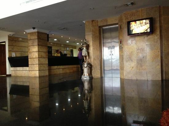 Hotel Windsor: lobby windsor Barranquilla