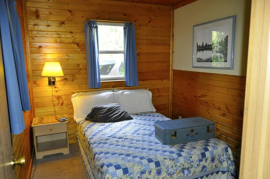 Castle Rock Hideaway: Double-bed bedroom.