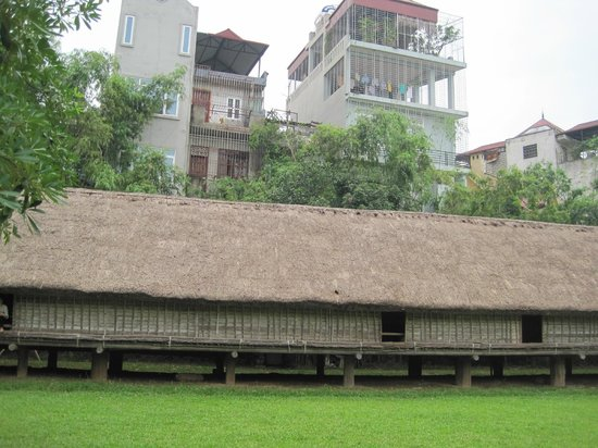 Museo de Etnología de Vietnam: casas exterior