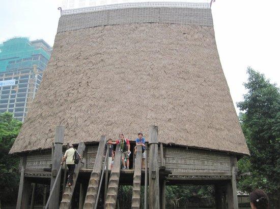 Museo de Etnología de Vietnam: casa tradicional