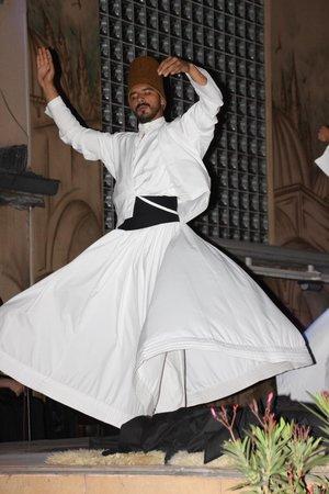 Hotel Sultan: Sufi Dancer