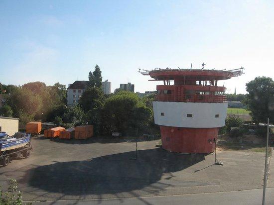 Havenhostel Bremerhaven : Blick auf den alten Leuchtturm