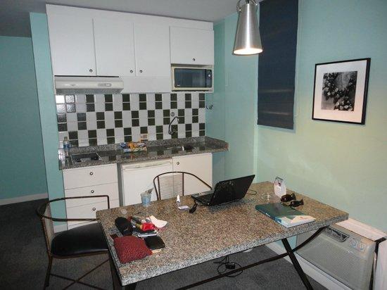 Slaviero Suites Curitiba Batel: suite com cozinha