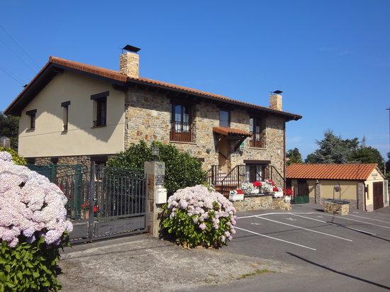 Apartamentos Rurales Villa del Sain: Fachada principal