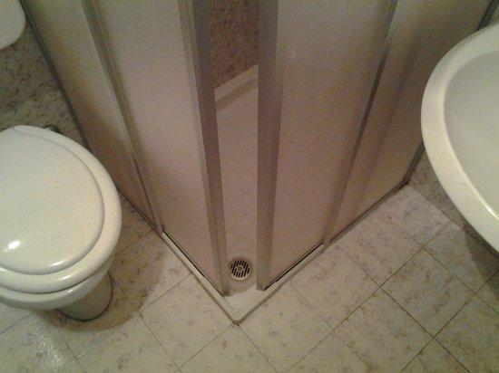Hotel La Rotonda: bagno della camera numero 3