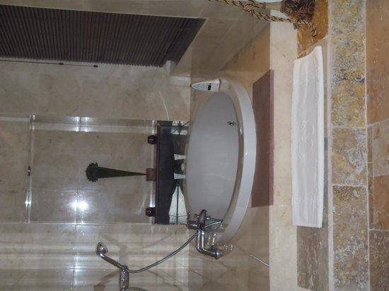 Ole Sereni: Bathtub