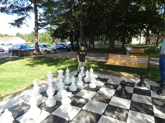 Digby Pines Golf Resort & Spa : Large Chess Set