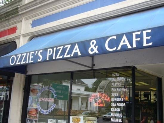 Ozzie's Pizza & Cafe: Outside appearance