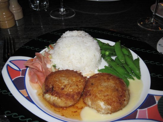 Anthony's Pier 66 & Bell Street Diner: Crab Cakes