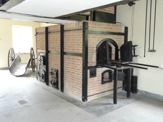 Nationaal Monument Kamp Vught: Oven