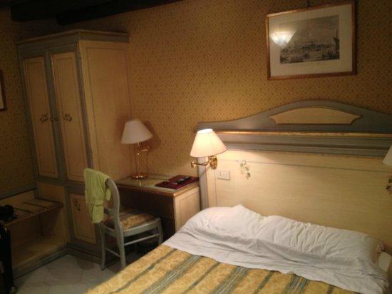 Hotel Falier: Bedroom