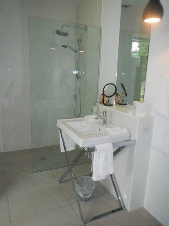 Queenstown Park Boutique Hotel: Nice, clean bathroom