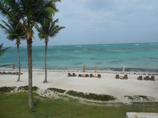 Tortuga Bay Hotel Puntacana Resort & Club: View from balcony - 2nd floor oceanfront