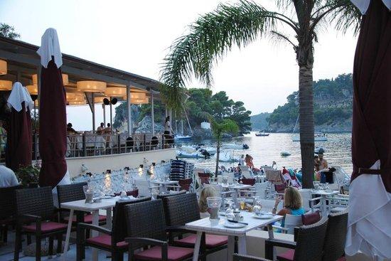 Villa Rossa Restaurant Parga