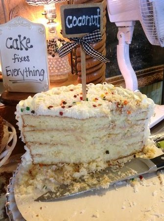 Cotillion Southern Cafe : coconut cake