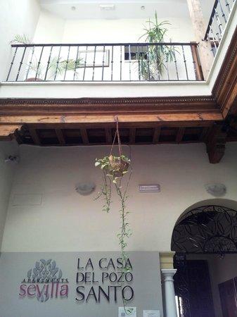 La Casa del Pozo Santo: the yard