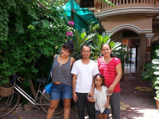 Bunlinda Hostel: familia anfitriona