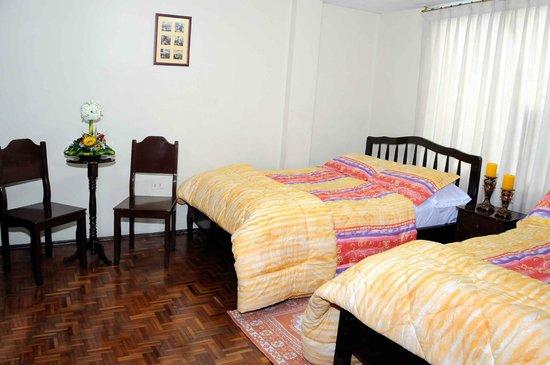 Hostal Margarita 2: contamos con habitaciones simples.