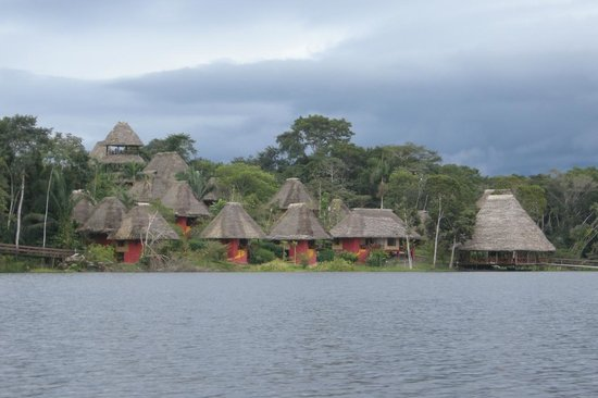 Napo Wildlife Centre: View of the lodge from the lake