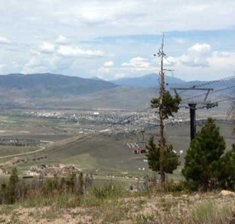 The Mountainside at Silver Creek: Rode the ski lift to the top for great views