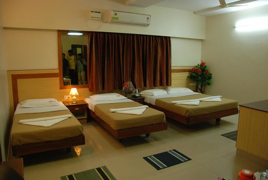 Hotel ATG Royal Inn: family twin bed sharing room  4pax
