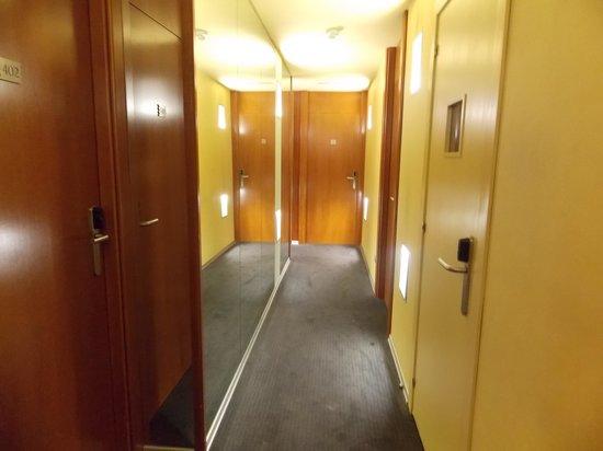 Hotel Fruela: Pasillo de las habitaciones