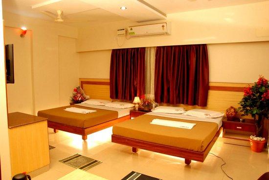 Hotel ATG Royal Inn: family suite room 4 pax