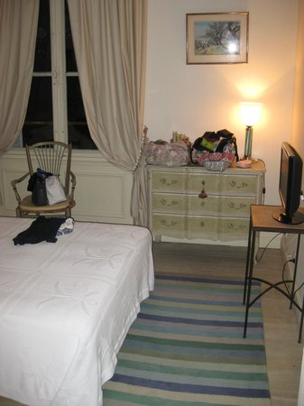 Le Clos Raymi : Provecncale room
