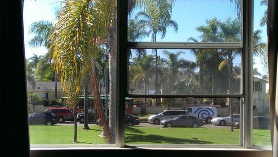 BEST WESTERN PLUS Suites Hotel Coronado Island: Overlooking Orange ave