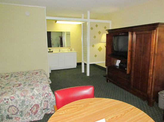 Colony House Motor Lodge : Small Fridge and Microwave in Armoire