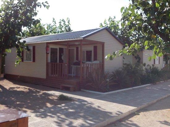 La Siesta Salou Resort & Camping: vista frontal bungalow