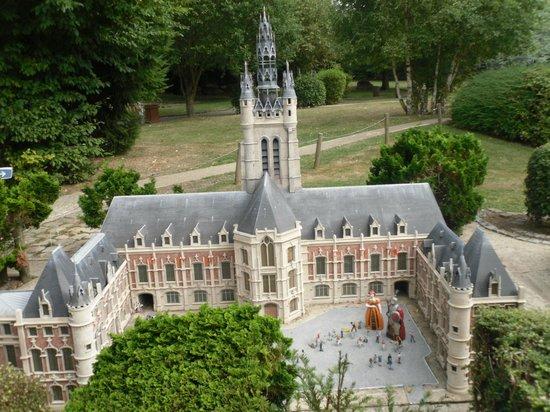 France Miniature : hotel de ville de douais