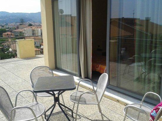 Hotel Europa - Riviera : camera 501 spaziosa pulitissima e gran terrazzo