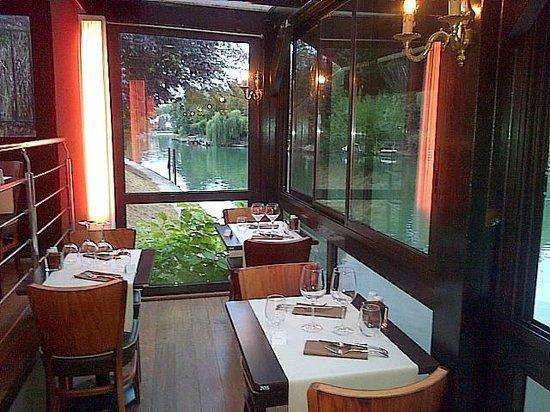 Ritchi Italian Ristorante & Lounge : Vue de l'intérieur du Ritchi