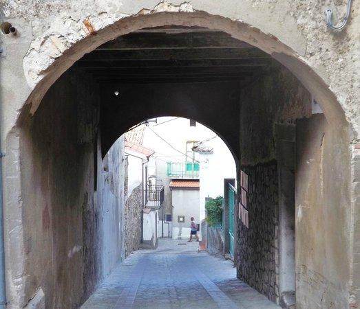 Centro storico, Caccuri: Via Municipio