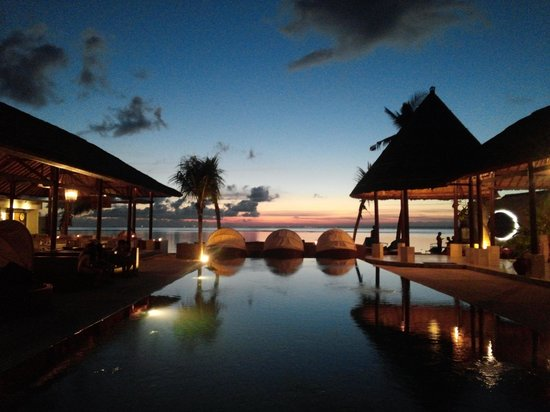 Equator Dive Pro: 일몰을 즐기기 좋은곳