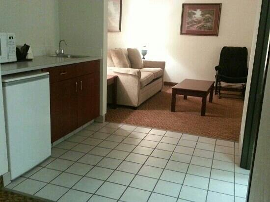 BEST WESTERN Old Mill Inn : 303 Middle area between BR and Sitting Room