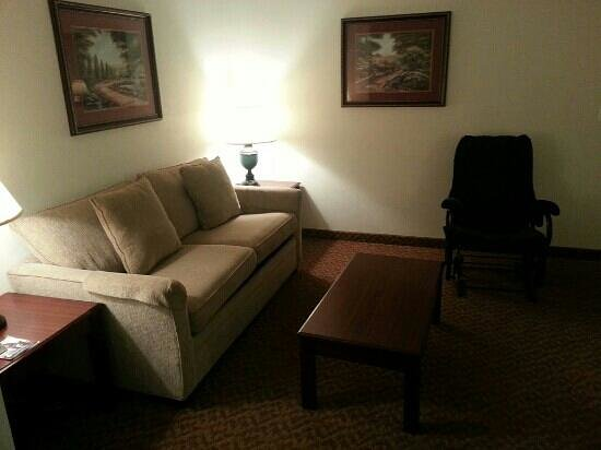 BEST WESTERN Old Mill Inn: 303 Sitting Area
