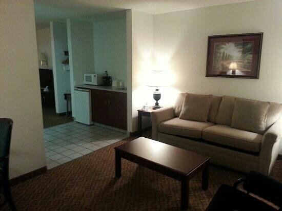 BEST WESTERN Old Mill Inn : 303 Sitting Area #2