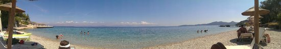 Agios Ioannis Peristeron, Greece: Beach Panorama just in front of hotel, across road.